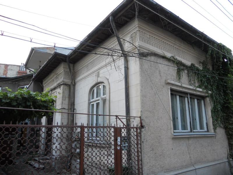 Casa 2 cam COTROCENI, pret vanzare 142,000 EUR   <a href='http://www.vilecotroceni.ro/details/casa-2-camere-cotroceni-142,000-eur-vanzare-kpv0033' style='text-decoration:none;'><span style='color:#d89f2a;font-weight:bold;'>...detalii</span></a>